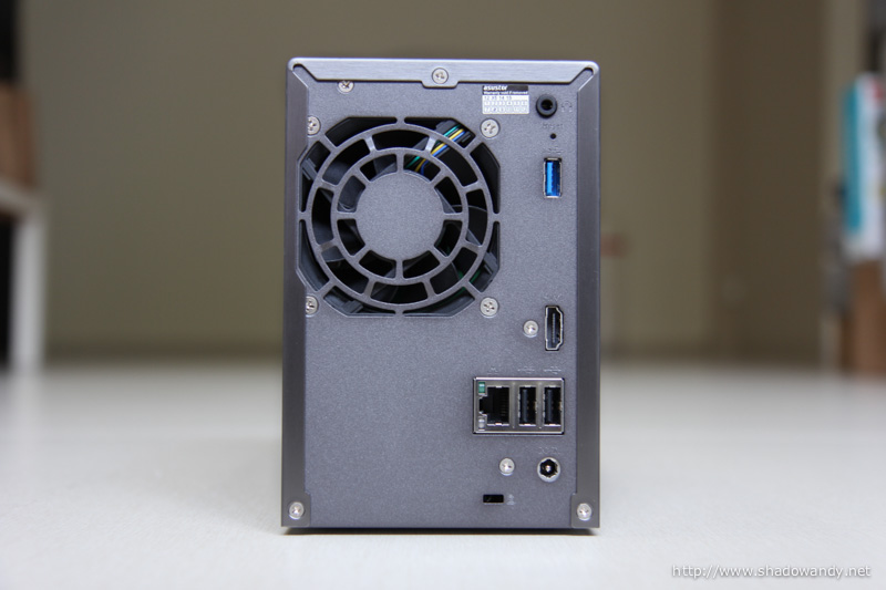 70mm system fan, 3.5mm audio jack, HDMI 1.4a, USB 2.0 ports, USB 3.0 port, ethernet, power and Kensington lock slot