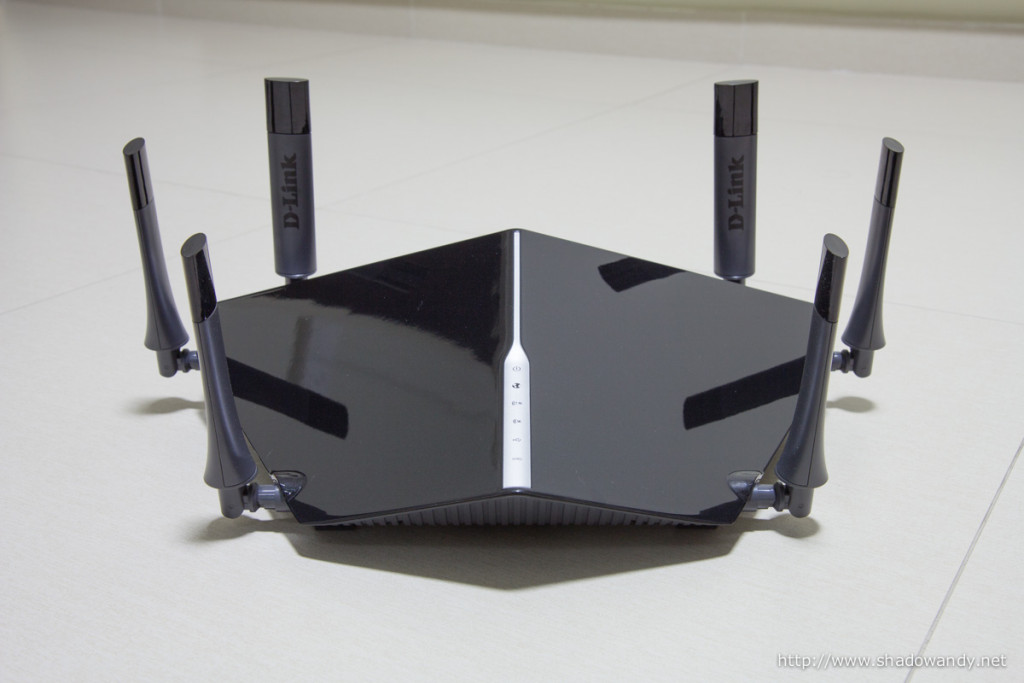 "The ""monster"" DIR-890L AC3200 Wireless router. On the surface, you see 6 high-gain antennas. Underneath the cover houses powerful amplifiers, dual-core processor, 3 dedicated radios, Smart Beam and Smart Connect technology."