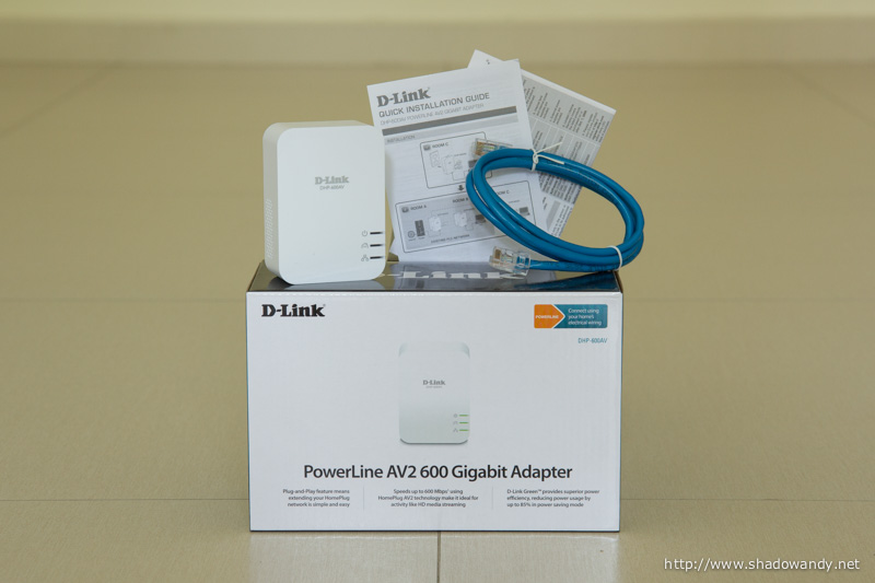 Package contents - The D-Link DHP-600AV PowerLine adapter, Ethernet patch cord, Quick Installation Guide and Warranty information.
